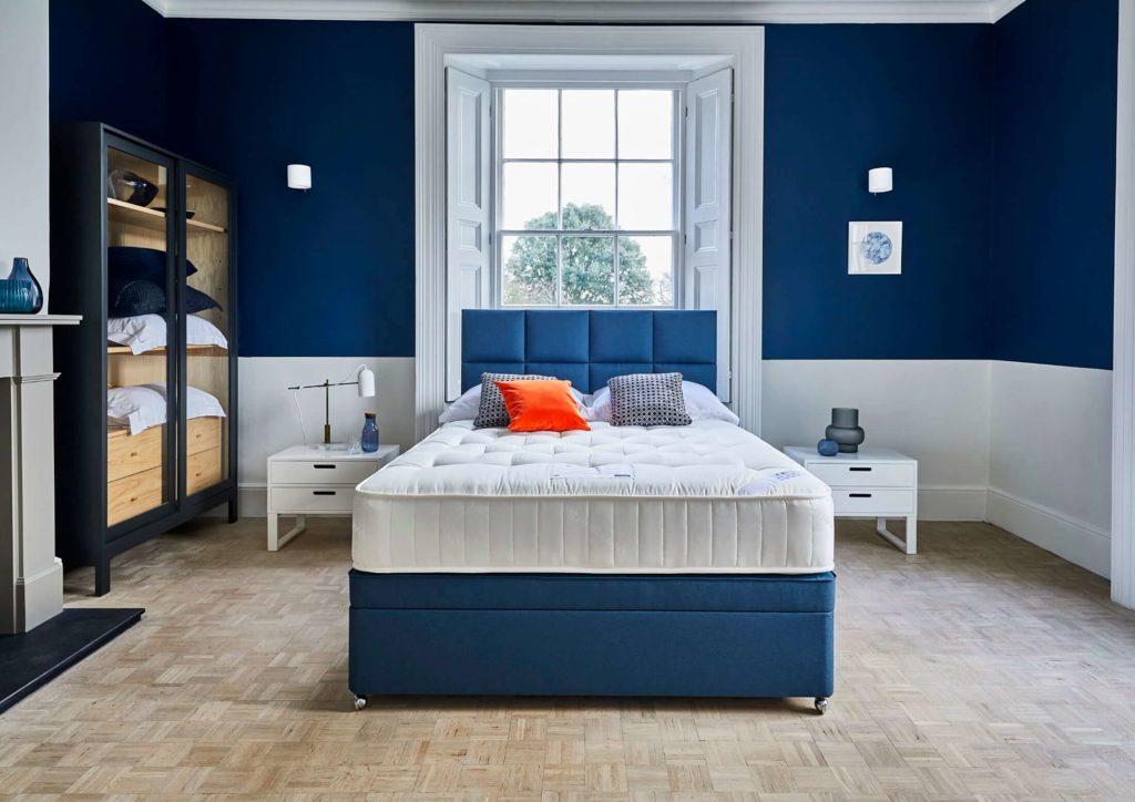 sleepeezee travelodge dreamer mattress and divan set
